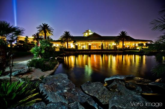 Cili reastaurant at bali hai golf club las vegas
