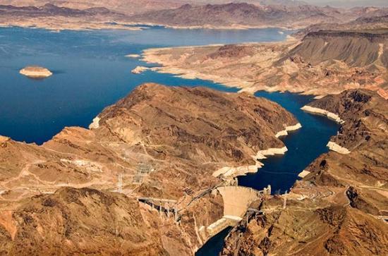 Hoover dam air 6885