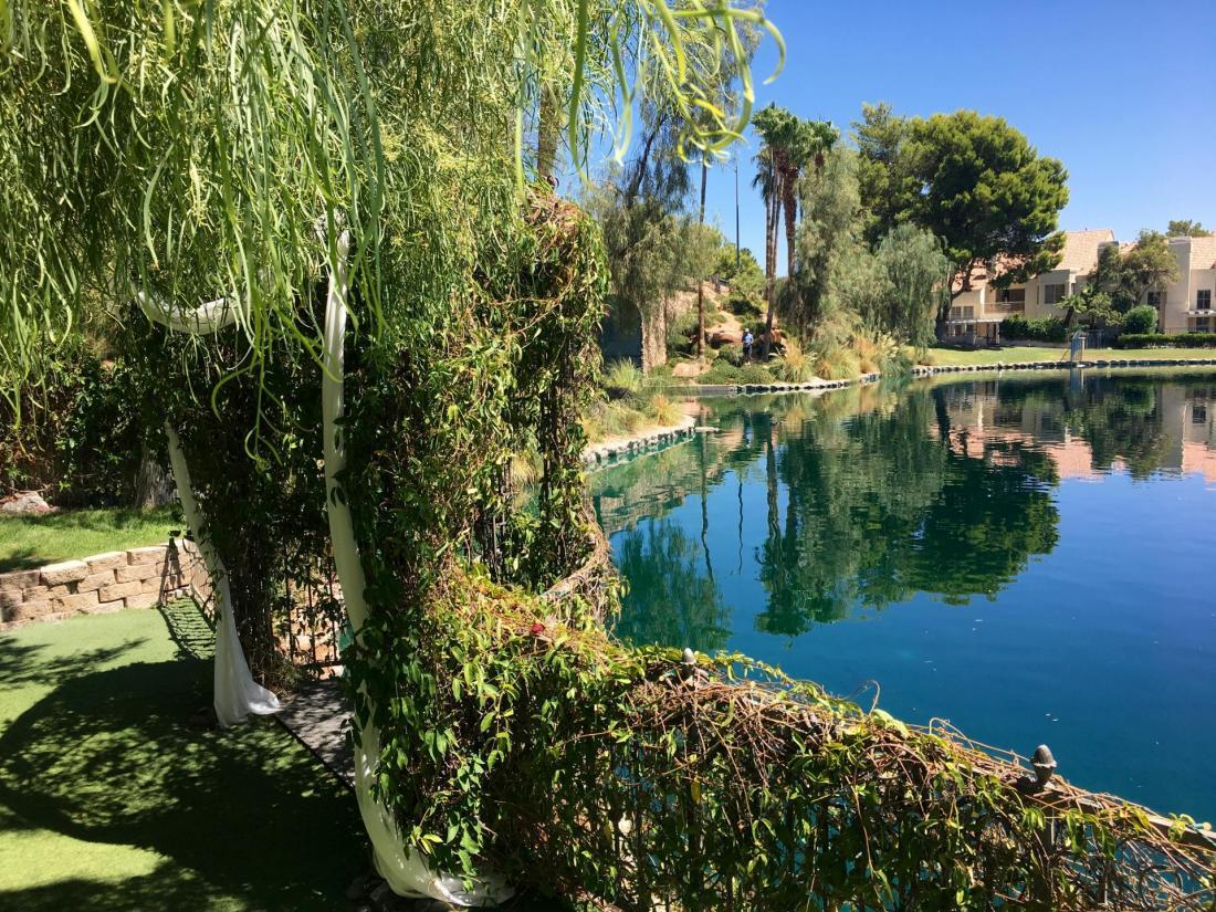 LAKESIDE heritage garden