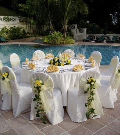 poolside-wedding.jpg