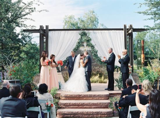 Romantic desert arboretum vegas wedding photo 31