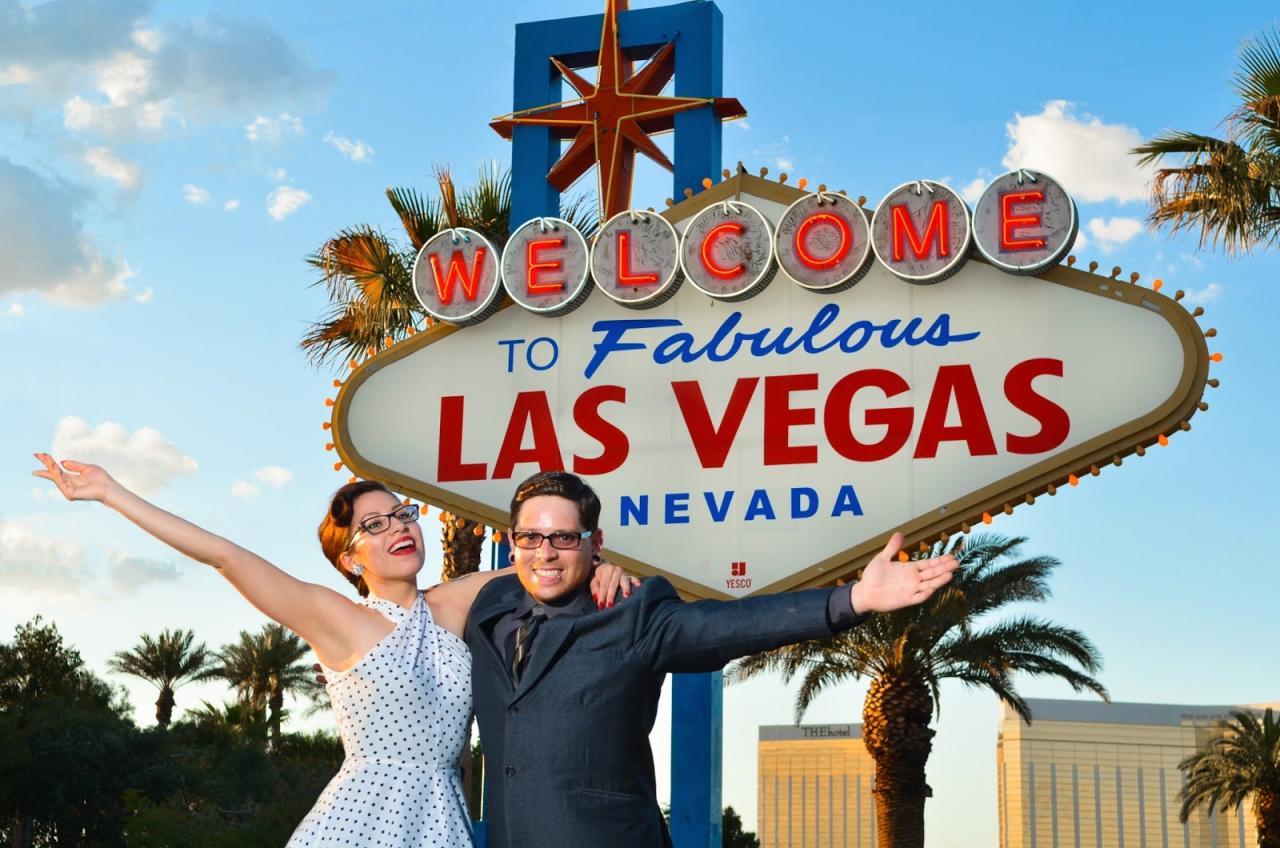 Vegas sign 1